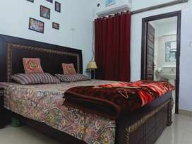 COUPLES  and family ROOMS for short and long stay.