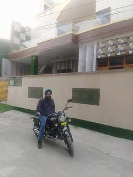 Independant kothi 250gaj 3bhk with lawn posh area airport road