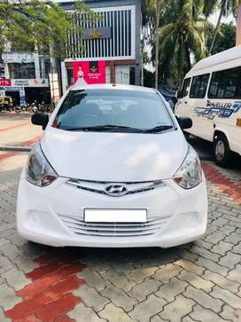 Hyundai Eon era+. Single owner. full cover insurance.  47000km