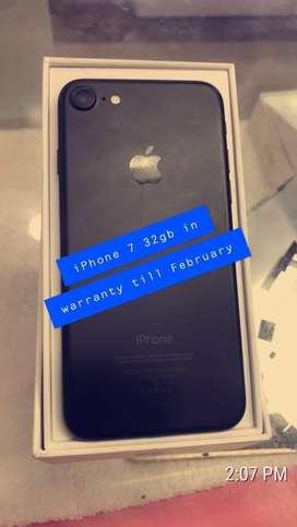 Iphone 7 32gb in warranty