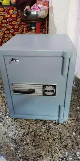 Godrej safe locker tejori