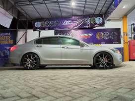 velg Honda Accord use light r20x8,5 5x114,3 + 245-35-20 accelera phi