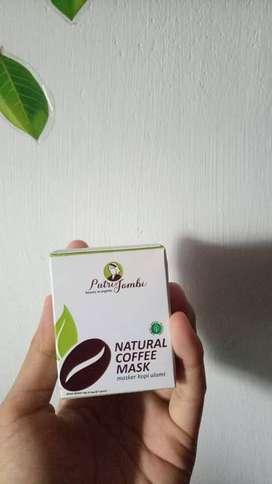 Masker wajah dari kopi alami dan aman