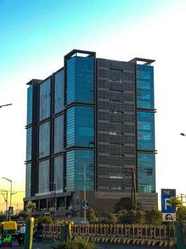 The Spire building ma office vechvani che