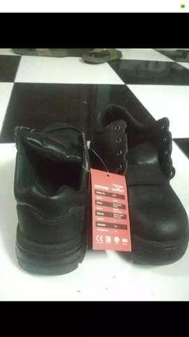 Sepatu safety merk cheetah uk 8