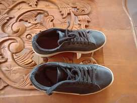 Sepatu Zara size 37 warna hitam , kondisi 90%