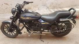 Bajaj avenger 150 dark blue colur and very neet condition