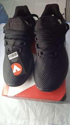 Sepatu Air Walk Mono Black (Hitam)