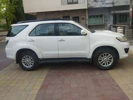 Automatic Fortuner- 2013 white