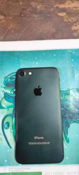 Iphone 7. 32gb rom, 3 gb ram