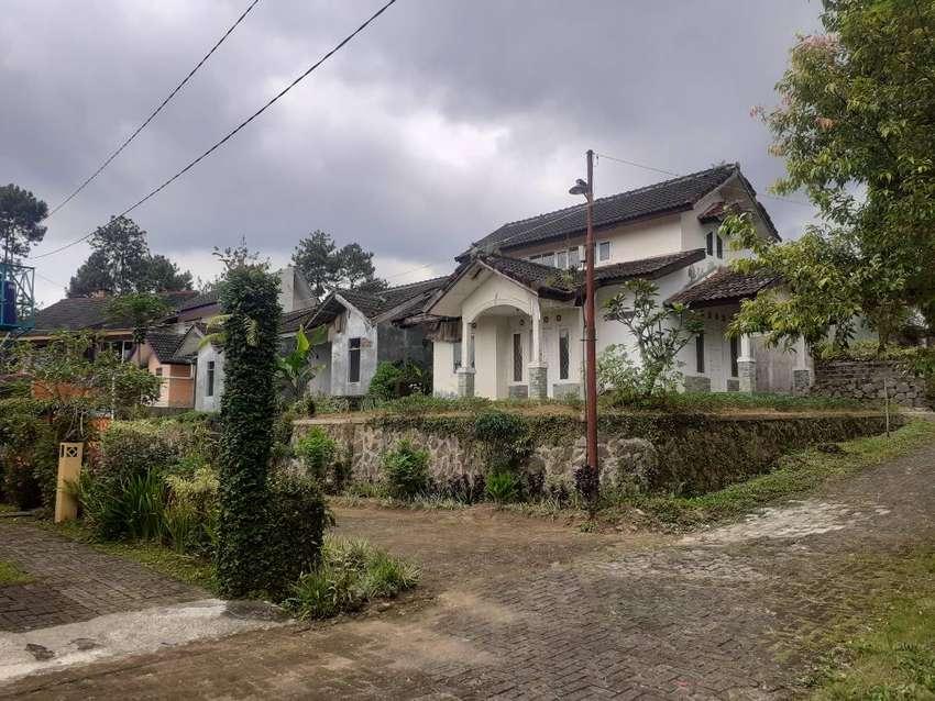 Dijual cepat rumah villa hook di kaki gunung kawasan puncak