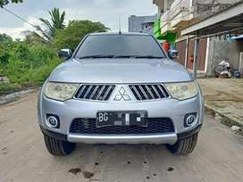 Pajero sport exceed 2011 nik 2010 at automatic sekelas fortuner