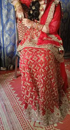 Just 6 hours used 1st day bridal lehnga only serious buyers