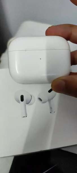 Airpods Pro with box and new usb