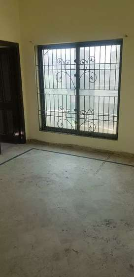 6 marla house avalible for rent near canal road W blck madina town fsd
