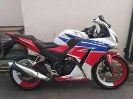 Honda CBR 150R 2014 orisinil bagus lengkap
