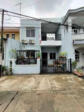 Dijual Rumah 2 Lantai Anggrek Permai