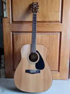 Guitar - Yamaha F310 - mint condition - selling fast