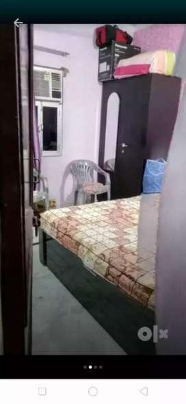 1 bhk corner sun facing floor with.open bramda equal to room size
