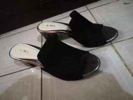 Jual Sepatu / Sendal Preloved Murah