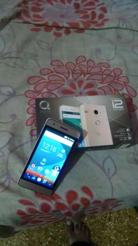 Q mobile i2 power