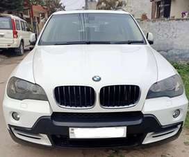 BMW X5 top model  2010 well maintained
