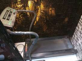 Pulse fitline treadmill