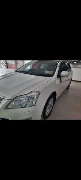 I need premio 2007 model new shape white or pearl white colour clean c