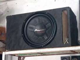 How iam selling pioneer car basser condition see in pix