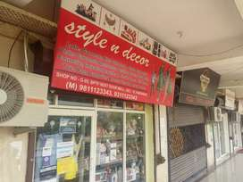 we require sales girl for cloth showroom