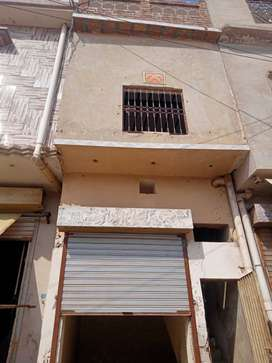 Main road shop for rent