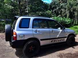 Suzuki Escudo 1.6 Tahun 2004