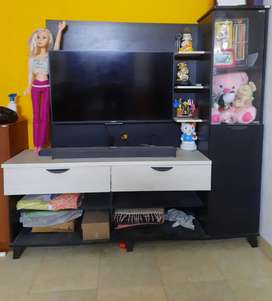 Tv STAND WITH SHELF AND SHOWCASE