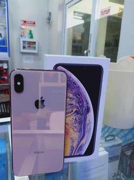 Iphone Xs max 256Gb gold (lengkap no mines)