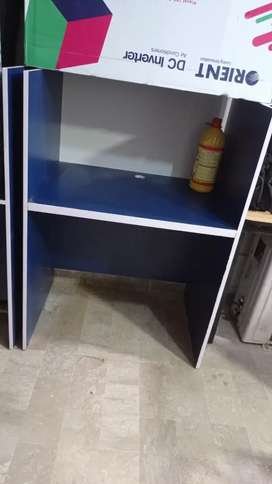 COMPUTER TABLE ( 2 cubes)