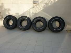 Cooper discover st Maxx 16 inch rim 285-75 height tires rkr prado jeep