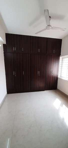 3 bhk semi furnished flat for rent Lakdikapool
