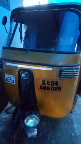 Good Condition and Single used Auto rickshaw for Sale