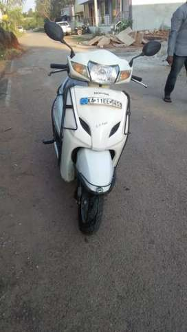 Honda activha good cundishen new tairs