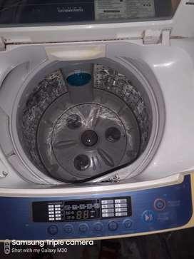 LG 6.5 kg Fully Automatic washing machine like new