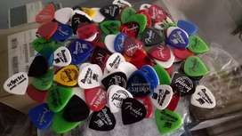 pick pik gitar warna