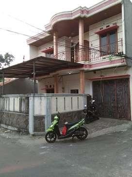 Rumah 2 lantai siap huni dikontrakan di Cipete