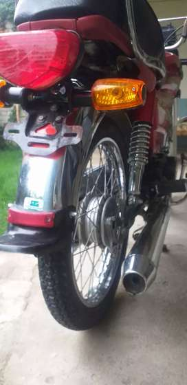 moter cycle Hero 2018 model  condtion 10by10 one hand use In open chit