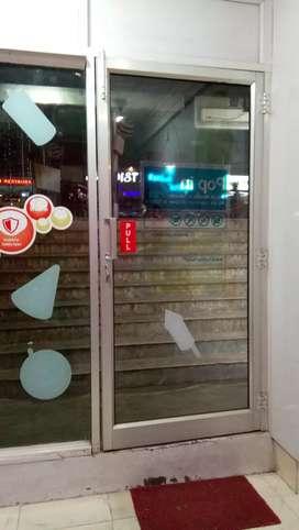 Vodafone mini store