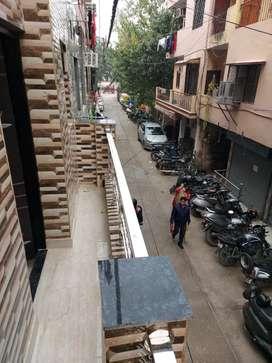 Ashok vihar keshav puram metro ke saamne 40 feet road free hold prop