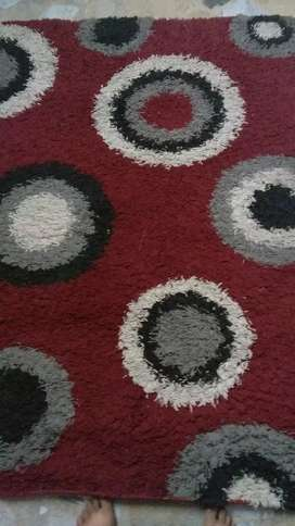 Red color rug hy