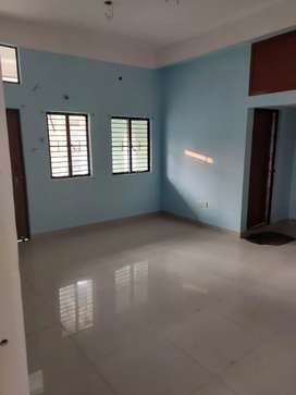 Fully independent 3 BHK flat for rent (road side facing)