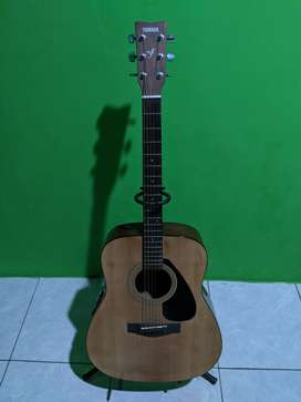 Yamaha Guitar Electric Accoustic FX-310 + Case Second
