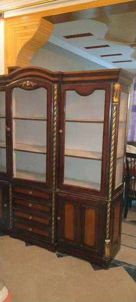 Used showcase for sale