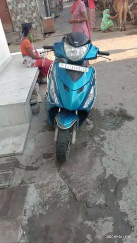 Good condition single hand scooty